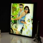 Couple photo frame with light