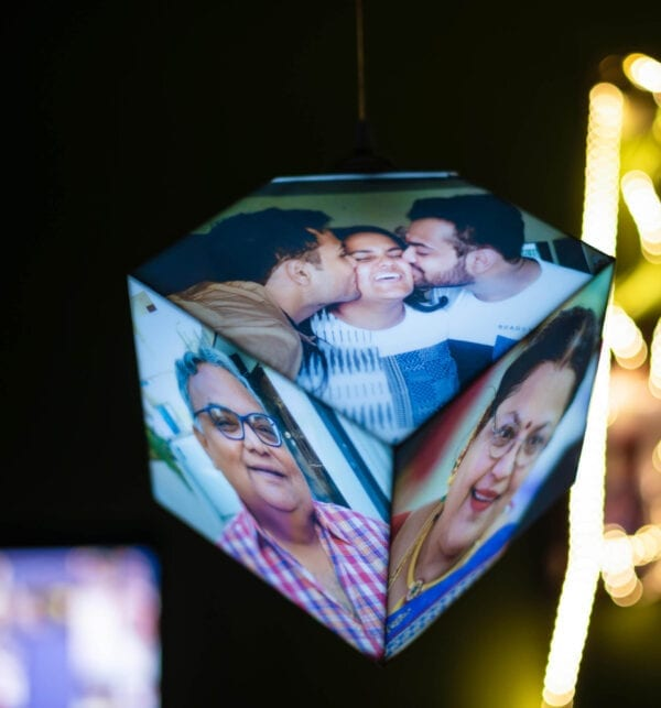 Hanging picture lamp with photos