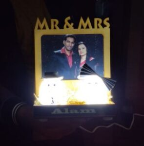 A Happy Marriage Couple lamp for anniversary gift photo review